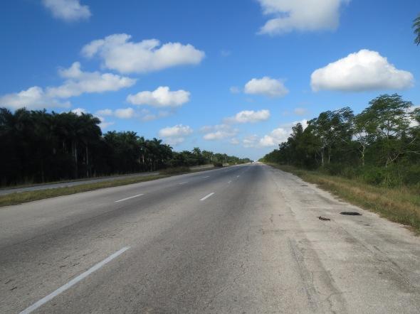 The empty 'autopista'